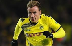 Il évolue en Allemagne (Borussia Dortmund). Qui est-ce ?