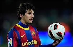 Il évolue en Espagne (FC Barcelone). Qui est-ce ?