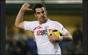 Il évolue en Espagne (FC Séville). Savez-vous quel est ce joueur ?