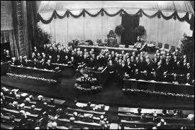 Quelle est la date de proclamation de la République de Weimar ?