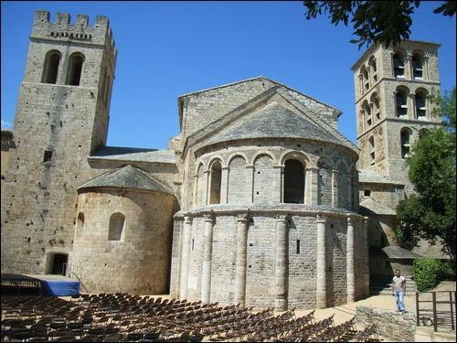 Dans quel département se situent les étapes de Saint-Gilles-du-Gard, l'abbaye de Saint-Gilles Vauvert, Gallargues-le-Montueux ?