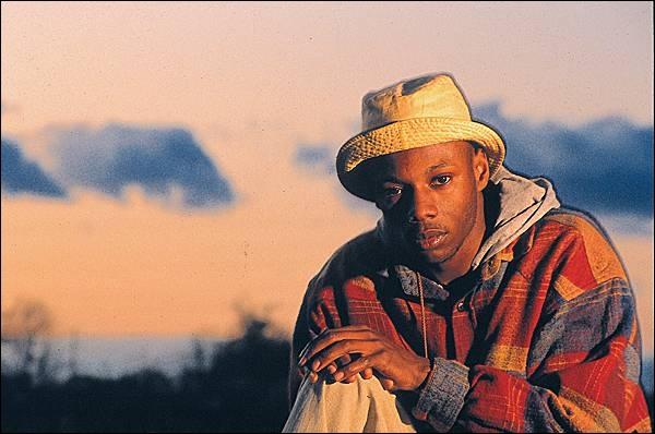 Quel chanteur a détourné le proverbe :  Qui sème le vent récolte la tempête , en 1991, pour en faire le titre de son premier album ?