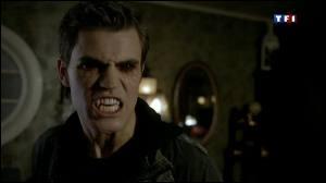 Stefan qui a toujours essayé de ressister au sang humain en a-t-il déjà bu ?