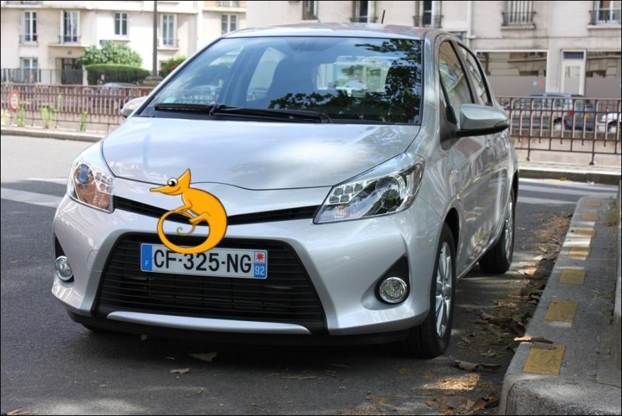 Quelle firme propose ce véhicule hybride, notamment assemblé à Valenciennes, en France ?