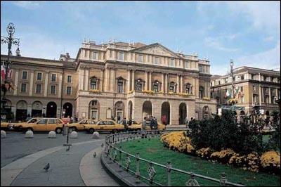 Comment s'appelle cette très célèbre salle d'opéra de Milan, peut-être la plus connue au monde ?