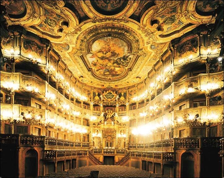 Cette salle d'opéra de Bayreuth n'est pas celle construite pour Wagner et ses productions, mais l'autre, une salle baroque magnifique. Quel est son nom ?