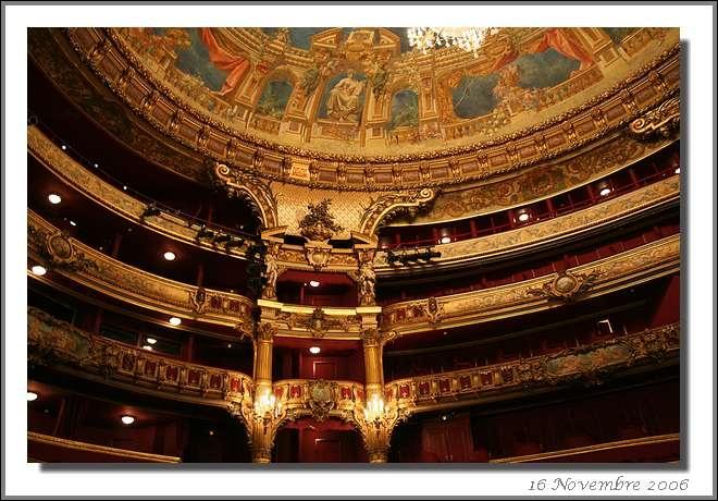 Comment s'appelle cette très célèbre salle d'opéra de Bruxelles, dont le nom n'est pas spécialement évocateur de la musique ?
