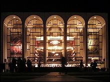 Cette salle d'opéra de New York est  culte  pour les chanteurs et leur carrière. Comment la nomme-t-on ?