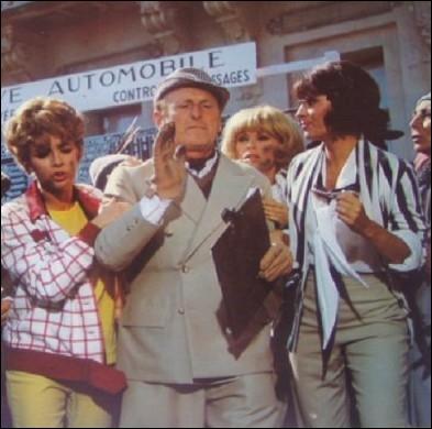Quelle actrice apparaît derrière Bourvil, dans cet extrait d'un film de 1969 ayant comme titre   Gonflés à bloc  ?