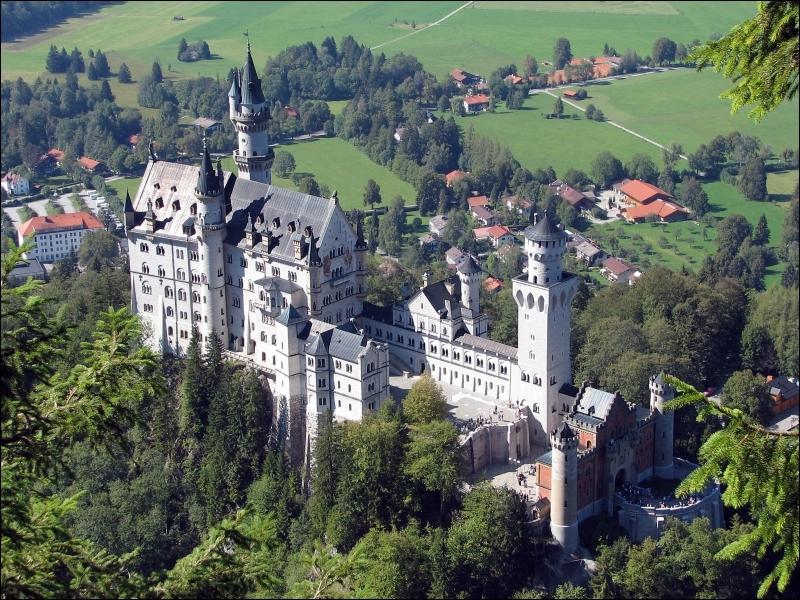 Обои нойшванштайн замок