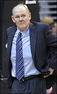 Qui est le coach des Nuggets ?