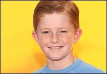 Il joue leur frère Parker dans les saisons 1 à 4. Quel est son prénom ?