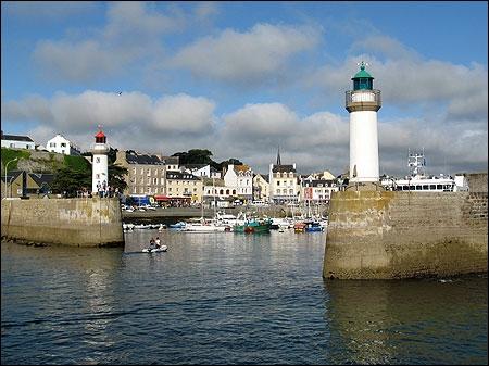 Autrefois appelée Vindilis, c'est la plus grande des îles de Bretagne. Située au large de Quiberon il s'agit de :