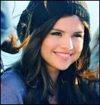 Comment s'appelle la meilleure amie de Selena Gomez ?