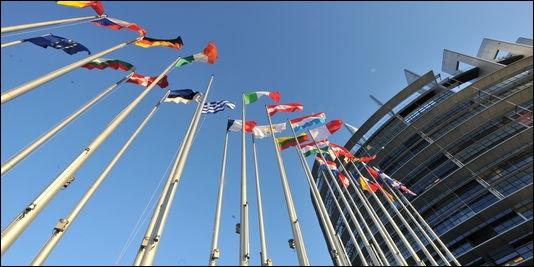 Le 1er juillet 2013, quel pays deviendra le 28e pays de l'Union européenne ?