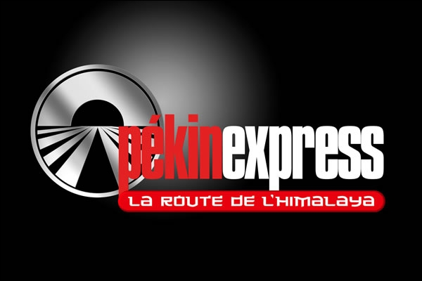 Quel animateur présente le jeu d'aventure  Pékin Express  sur M6 ?