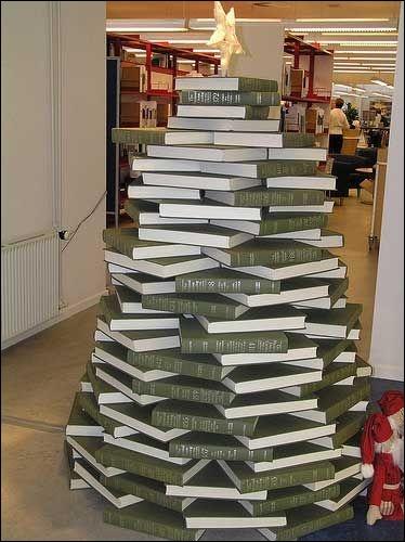 En France, il y a des librairies et en Angleterre, ce sont des :