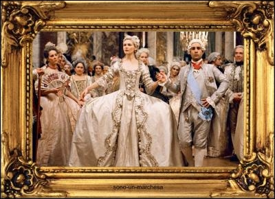 Issue de la musique baroque, cette danse était l'une des préférées de Louis XIV et sa cour. Comment s'appelle-t-elle ?