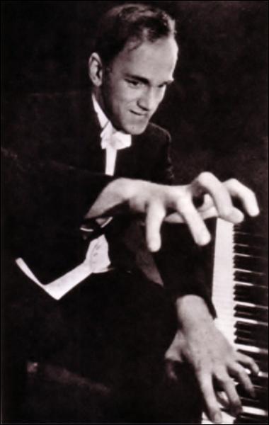 Quel est ce pianiste russe génial, grand beethovénien et peintre subtil ?