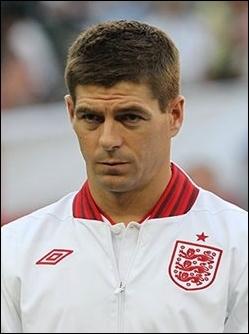 Qui est ce joueur anglais évoluant à Liverpool ?