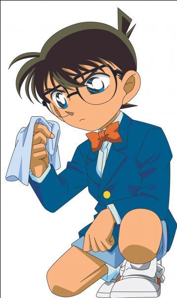 Avec quel objet, Conan endort-il le détective Kogoro ?