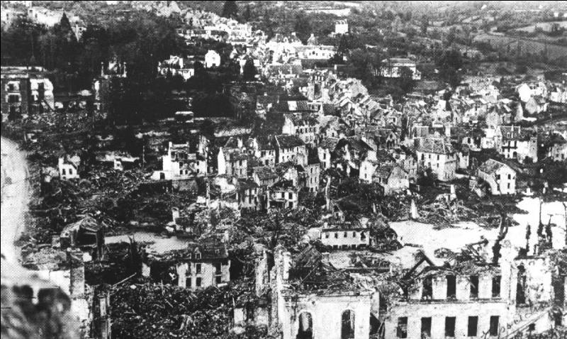 Ce poème évoque le bombardement durant la Seconde Guerre mondiale d'une grande ville de la moitié nord de la France. Laquelle ?