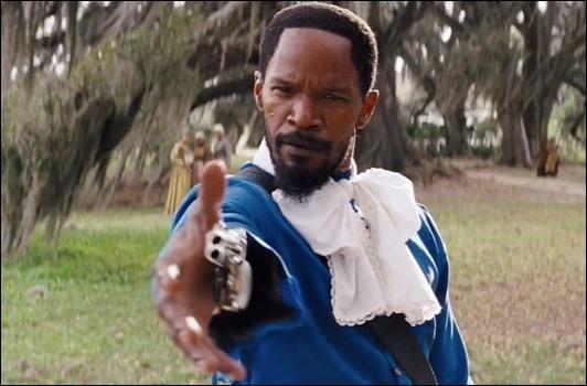 Complétez cette réplique prononcée par Django Freeman :  Dis [ ? ] à Madame Lara .