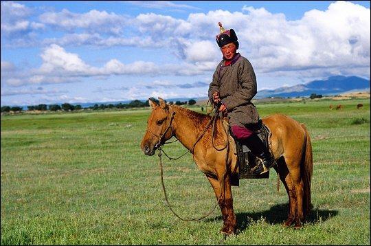 La Mongolie est un état vaste de 1 564 100 km2. Lequel de ces pays possède une superficie plus importante que celle de la Mongolie ?