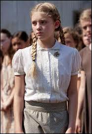 Quel est le prénom de cette fille choisie mais qui n'est pas aller aux Hunger Games ?