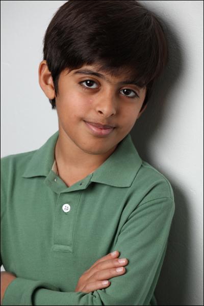 Il joue le rôle de Ravi, mais quel est son véritable nom ?