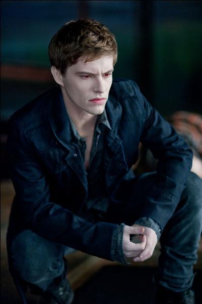 Twilight : chapitre 3 Hésitation