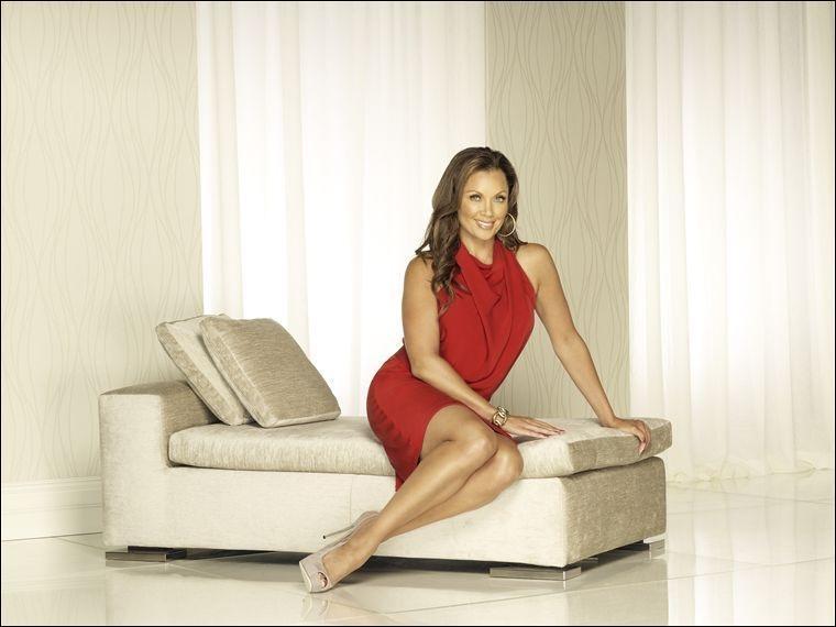 Dans la dernière saison, qui se marie avec Renee Perry ?