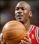 En quelle année Michael Jordan a-t-il dépassé pour la première fois le score des 100 points ?
