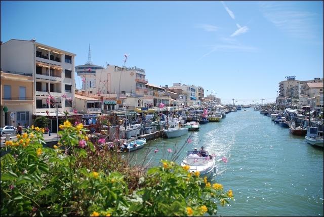 Où se trouve Palavas-les-Flots, station balnéaire réputée du littoral français ?