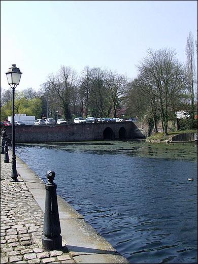 Comme le disait la chanson, Arras est le chef-lieu du Pas-de-Calais. La ville est située au confluent du Crinchon et d'un des affluents de l'Escaut. Lequel ?