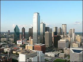 Dallas... et son univers impitoyable si on en croit la série télé. Parmi les affirmations suivantes cochez celle qui est FAUSSE.