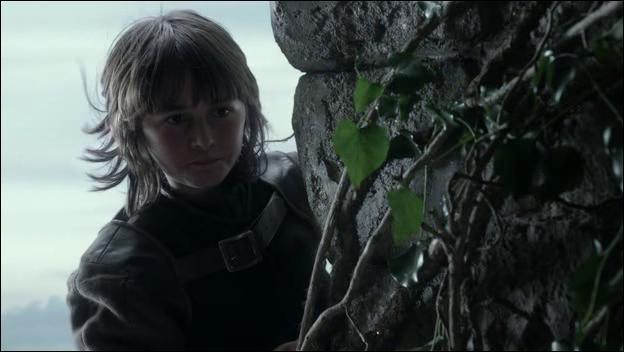 Bran grimpant sur les murs de Winterfell, entend soudain le bruit d'un couple faisant l'amour, et s'approche de la fenêtre d'où proviennent les sons. Qui découvre-t-il ?