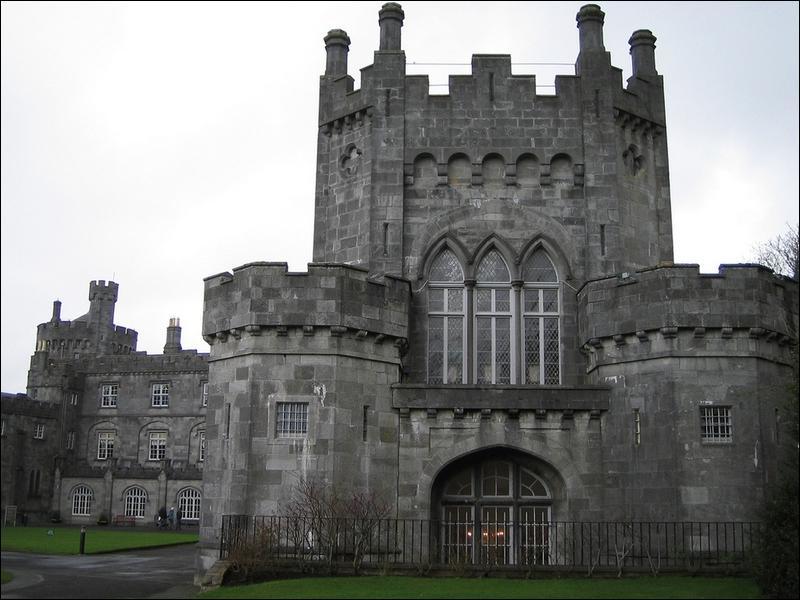 Parlons maintenant du château de Kilkenny, dans ce pays dont le vert est la couleur dominante !