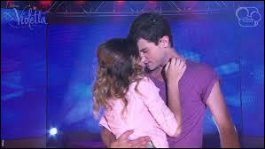 Commençons avec la saison 2, Violetta et León rompent. Avec qui Violetta se met-elle ?