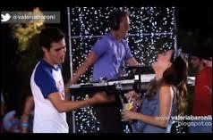 Pour continuer avec Violetta et León, qui sont à présent séparés, avec qui se met León ?