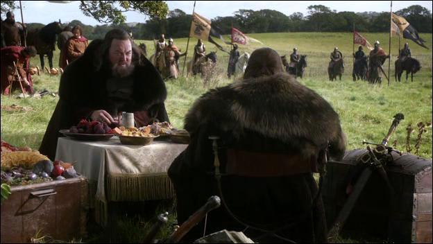 Qui est inquiet suite au mariage de Daenerys Targaryen avec un puissant seigneur Dothraki et pense envoyer un assassin pour s'occuper d'elle ?