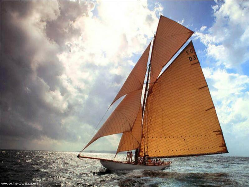 De quel grand navigateur le Pen Duick était-il le premier bateau ?