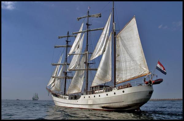 Ce bateau néerlandais est l'Artémis. De quelle déesse est-ce aussi le nom ?