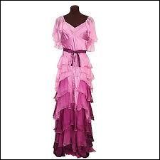 Qui porte cette robe dans un des films ?