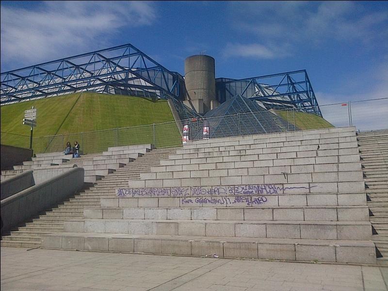 Quel est le nom de cette salle de concert parisienne ?