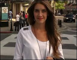 Qui est Angie pour Violetta ?