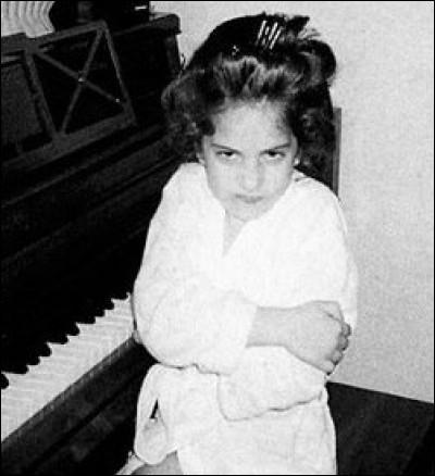 Comment s'appelle cette petite fille devenue une star ?