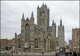 Du 13e au 15e siècle, fut bâtie l'église Saint-Nicolas de Gand. Elle présente 3 particularités locales : une tour imposante, plusieurs petites tours aux coins et est entièrement construite en pierres …