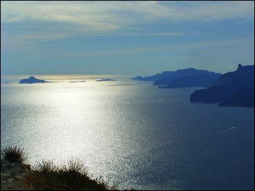 Complétez - La mer _________ se situe au sud-est de la France.