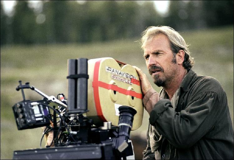 Le western  Open Range  fut tourné au Canada en 2003, dans la province de l'Alberta. Quelle difficulté l'équipe du film a-t-elle rencontré au moment de choisir les paysages pour les lieux de tournage ?
